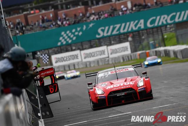 GT500クラス優勝 #23 MOTUL AUTECH GT-R(松田 次生/ロニー・クインタレッリ)